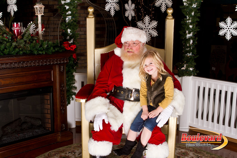 Santa Dec 15-295.jpg