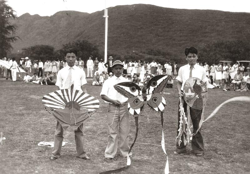 1925 to 1935. kite day.jpg