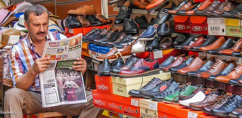 Shoe  seller in  Istanbul.jpg