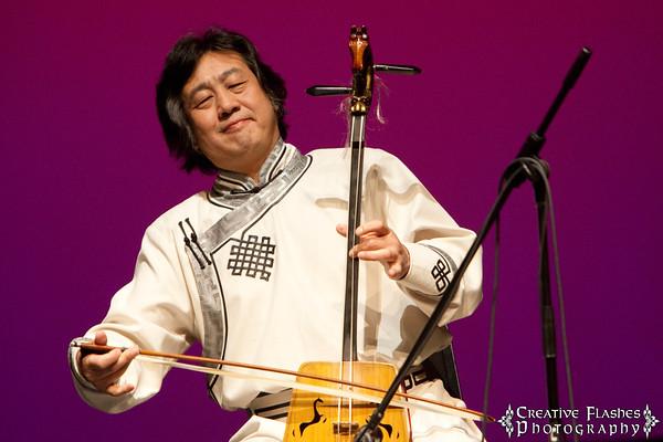 Bo Li Playing the Morin Khuur