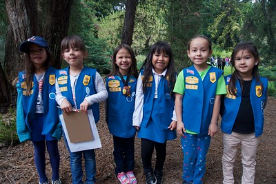 Girl Scouts Visit Huntington's Gardens