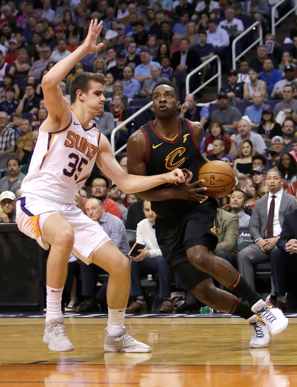 . Cleveland Cavaliers forward Jeff Green (32) in the second half during an NBA basketball game against the Phoenix Suns, Tuesday, March 13, 2018, in Phoenix. The Cavaliers defeated the Suns 129-107. (AP Photo/Rick Scuteri)