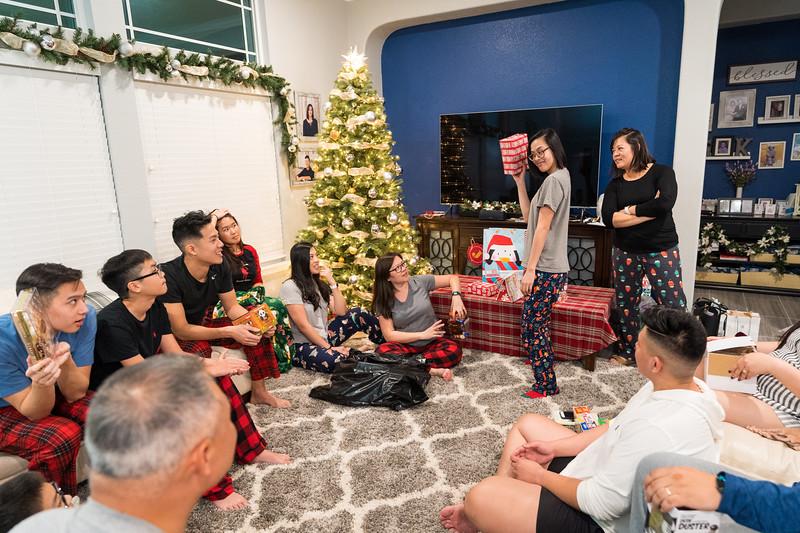 20191225_christmas-ho-family_051.jpg