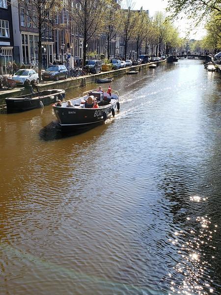 Amsterdam. - Canal.jpg