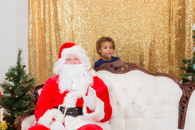 FADS Picture with Santa-251.jpg