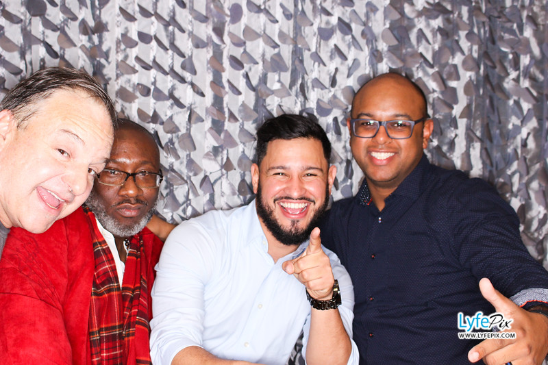 red-hawk-2017-holiday-party-beltsville-maryland-sheraton-photo-booth-0253.jpg
