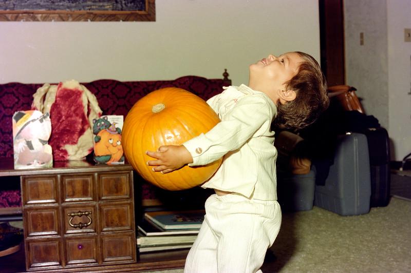 1976-10-15 #15 Dianna In Florida.jpg