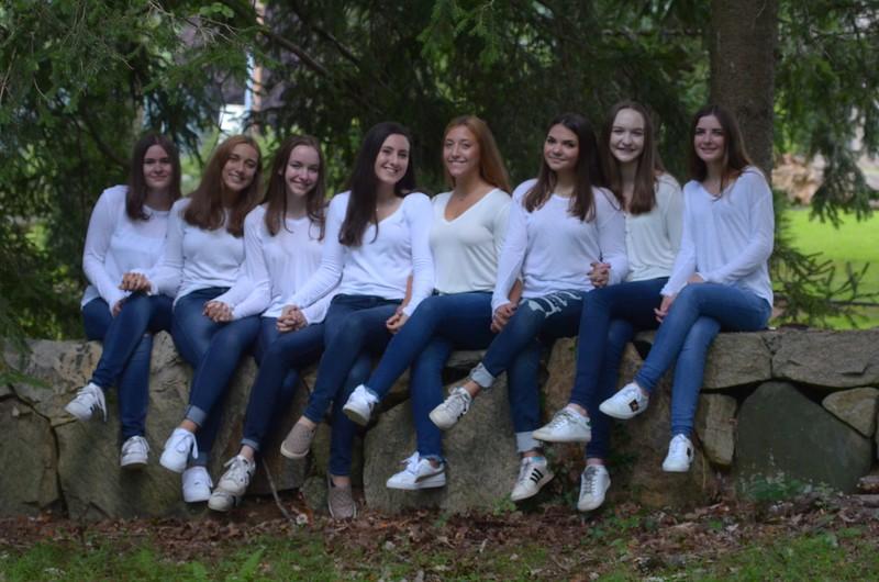 Julia Friend Group Pics - 54 of 308.jpg