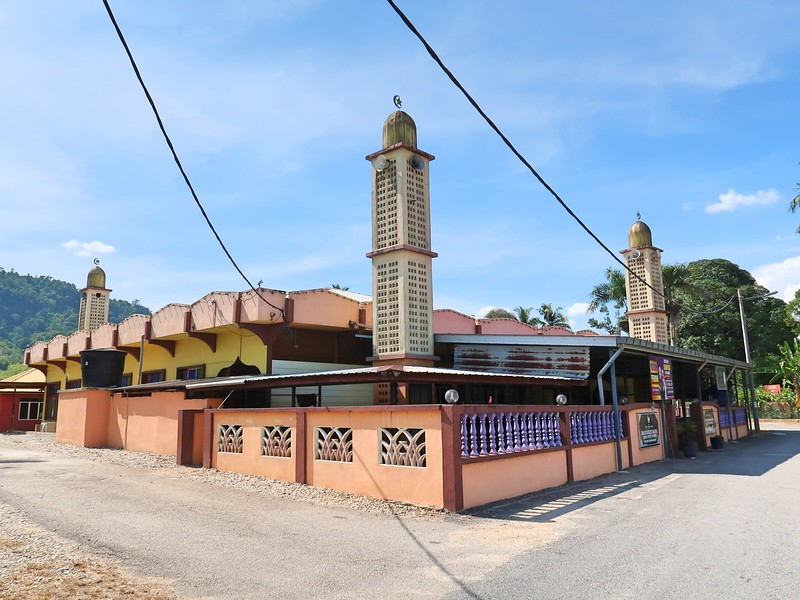 IMG_4871-dabong-district-mosque.jpg