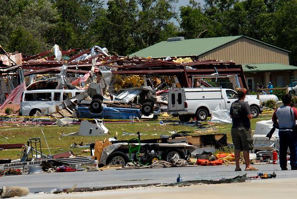 EF4 Tornado hits McIntosh County Georgia 05-11-08