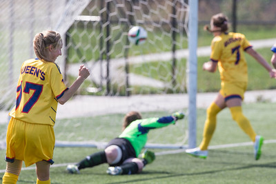 Women's Soccer - Queen's at Ryerson 20150920