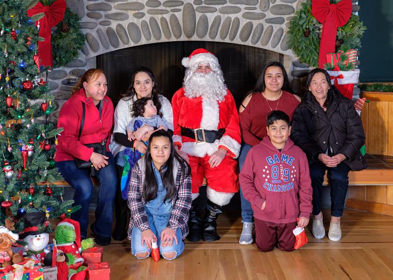CB Santa 2019-7838.jpg