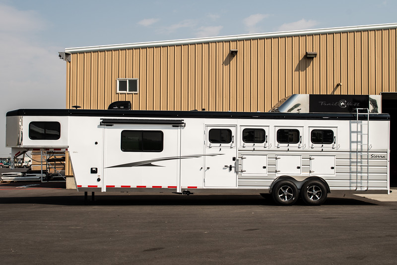 2019 TW Horse Trailers & Tack Rooms-177-2.jpg