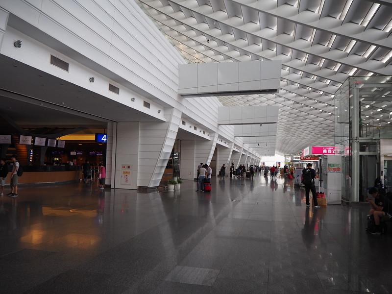 P7030032-departure-hall-t-1.JPG