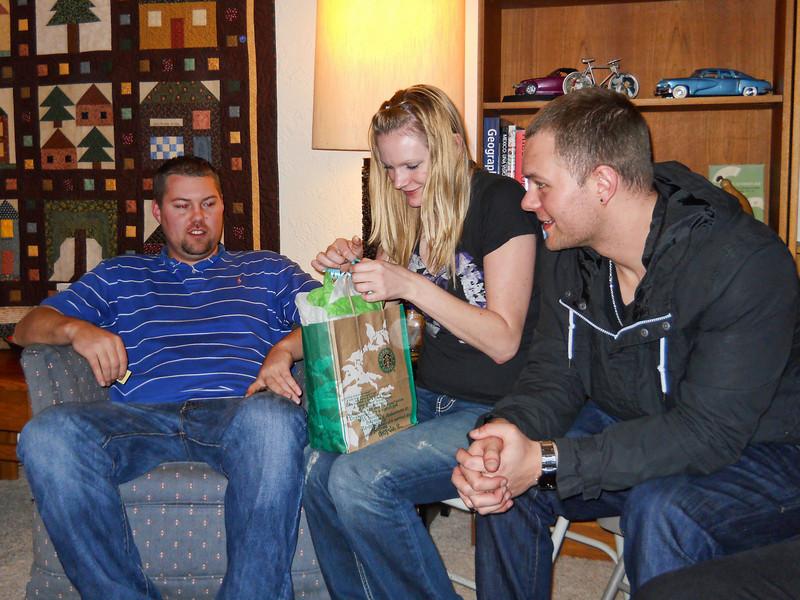 Christmas 2010 Loel8.jpg
