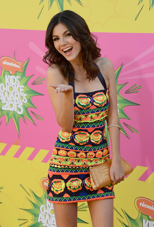 . LOS ANGELES, CA - MARCH 23:  Actress Victoria Justice arrives at Nickelodeon\'s 26th Annual Kids\' Choice Awards at USC Galen Center on March 23, 2013 in Los Angeles, California.  (Photo by Frazer Harrison/Getty Images)