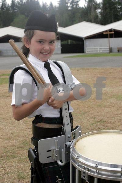 Scottish drummer girl 0357.jpg
