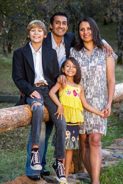11-24 Sena Family-48.jpg