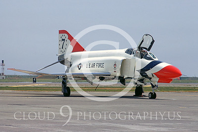 US Air Force THUNDERBIRDS Airplane Pictures Arranged by Airframe Types