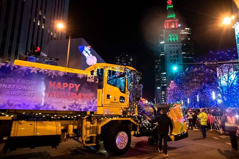 DIA parade of LIghts 201934071219.jpg