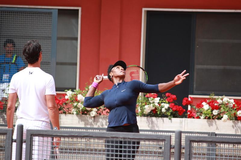 Serving Serena
