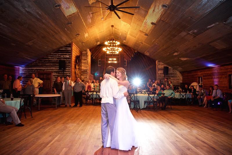 017 wedding photographer couple love sioux falls sd photography.jpg