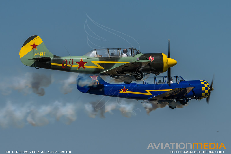 Private / Yakovlev Yak-52 / F-WRUI & F-WRUL