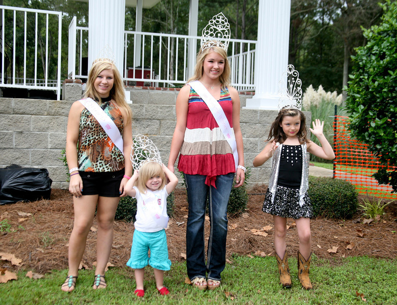 Abbey Layne Kelly - Overall Grand Supereme Harlee Dillard- Miss Muscadine Supreme Overall Courtney Lum- Queen & Miss Muscadine Hospitality Brooke Williamson - Little Miss Muscadine Supreme