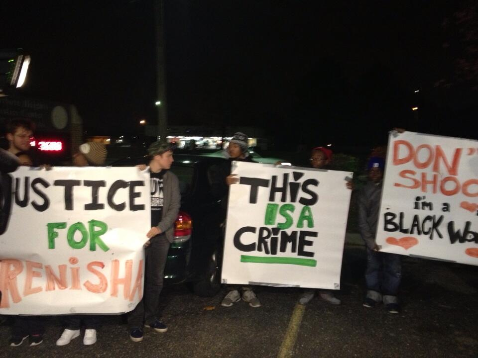 Description of . Niraj Warikoo posted this picture on Twitter from outside the Dearborn Heights Police station.