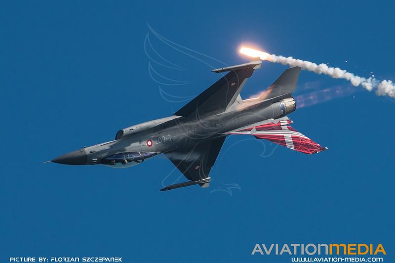 Danish Air Force 727 Esk / Lockheed F-16A-20 MLU Fighting Falcon / E-607 / Denmark Livery