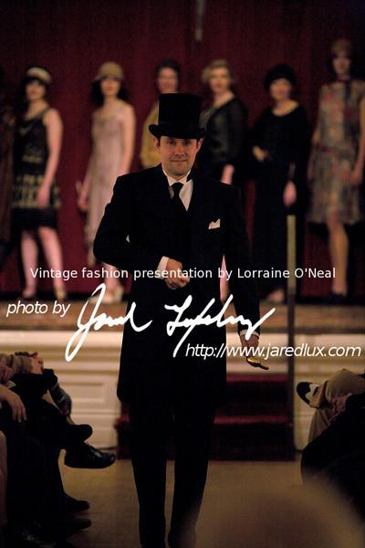 vintage_fashion_show_09_f15357128.jpg