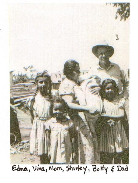 Edna, Vina, Mom, Shirley, Betty ^ Dad 1941.jpg
