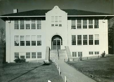Peakland School