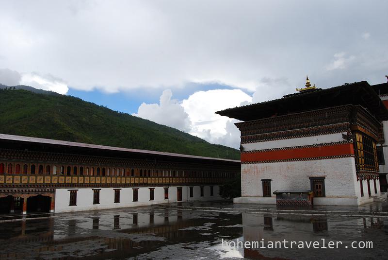 Tashichho Dzong in Thimphu Bhutan (3).jpg