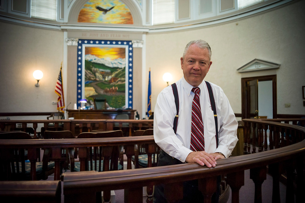 . Judge Richard Wagner in the famous round courtroom in Lovelock, Nevada.  The small town has been put on the map since Simpson was locked up at the Nevada Prison near town.    (Photo by David Crane/Los Angeles Daily News.)