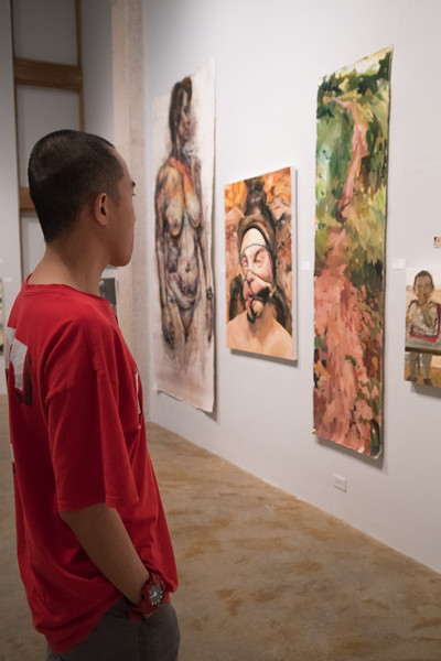 Charles Chung visits the OSO Bay Biennial XX 2018: Realism Redux! exhibition in the Weil Gallery.  Check out more photos from the OSO Bay Biennial XX 2018: Realism Redux! 2 day symposium: http://bit.ly/2JnXPSZ