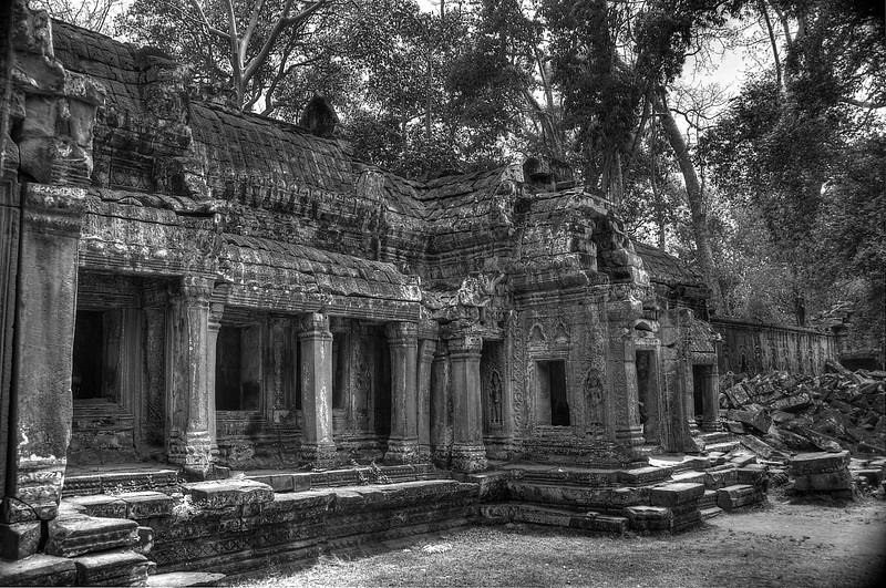 CambodiaTempleBackB&W2013DSC_5003_4_5_.jpg