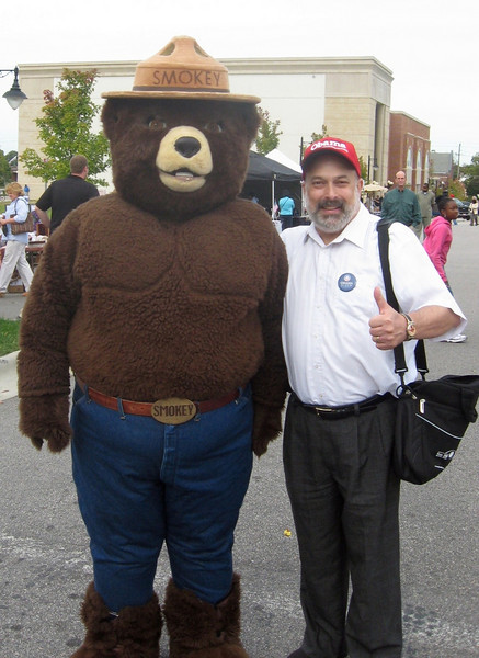 And yours truly gets acquainted with Smokey the Bear!