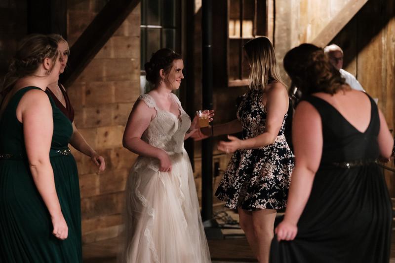 rustic_ohio__fall_barn_wedding-457.jpg