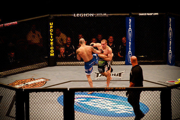 UFC Fight Night - 01/11/2010