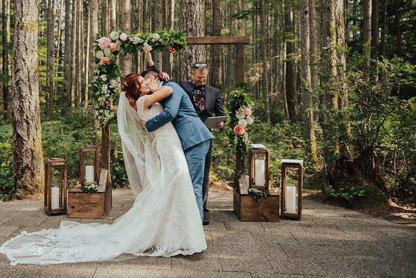 Seth & Lynnsey Wedding & Bridals