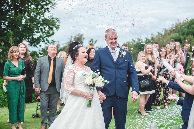 Mr & Mrs Wallington-203.jpg
