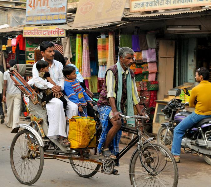 _DSC3339_family_rickshaw.jpg