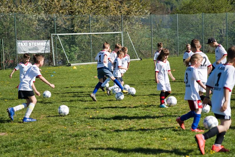 hsv-fussballschule---wochendendcamp-hannm-am-22-und-23042019-c-19_32787652447_o.jpg