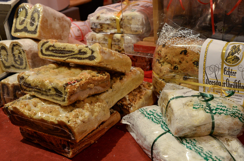 a variety of stollen