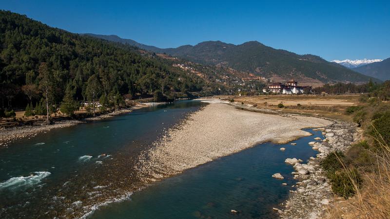 Pochu-Mochu-river-confluence-Punakha-Dzong.jpg