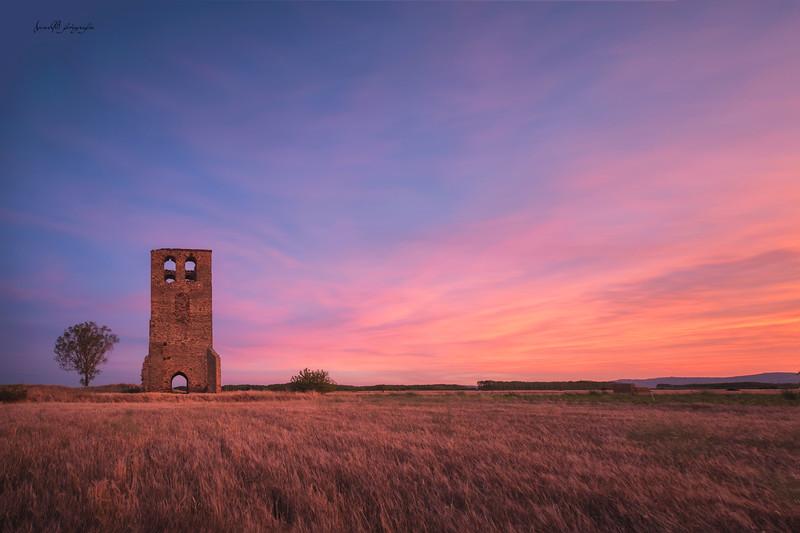 Torre de la Valduena.jpg