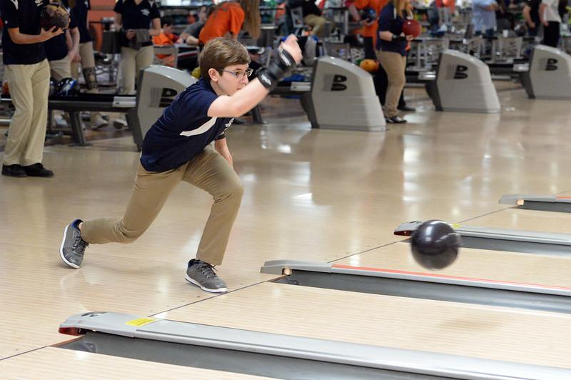 boys_bowling_9787.jpg