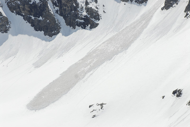 080502 2335 Russia - Mount Elbruce - Day 2 Trip to 15000 feet _E _I ~E ~L.JPG