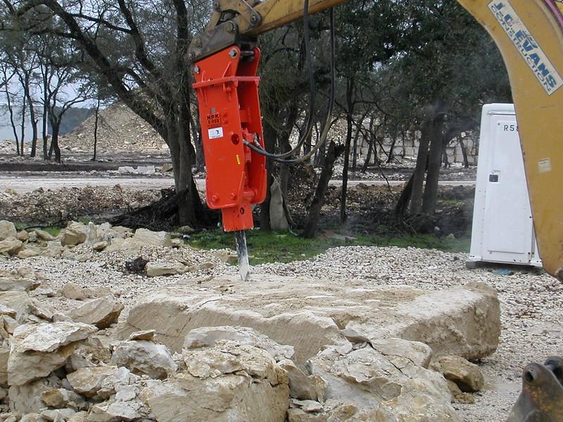 NPK E205 hydraulic hammer on Cat backhoe (9).jpg
